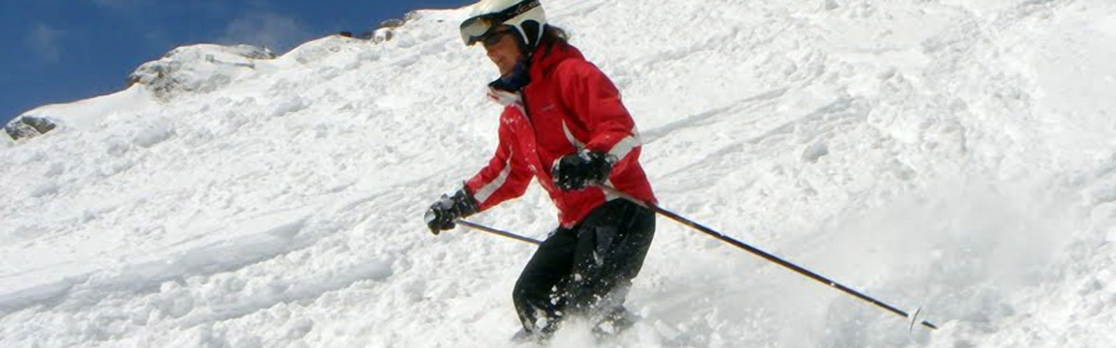 Tracy Skiing downhill Morzine