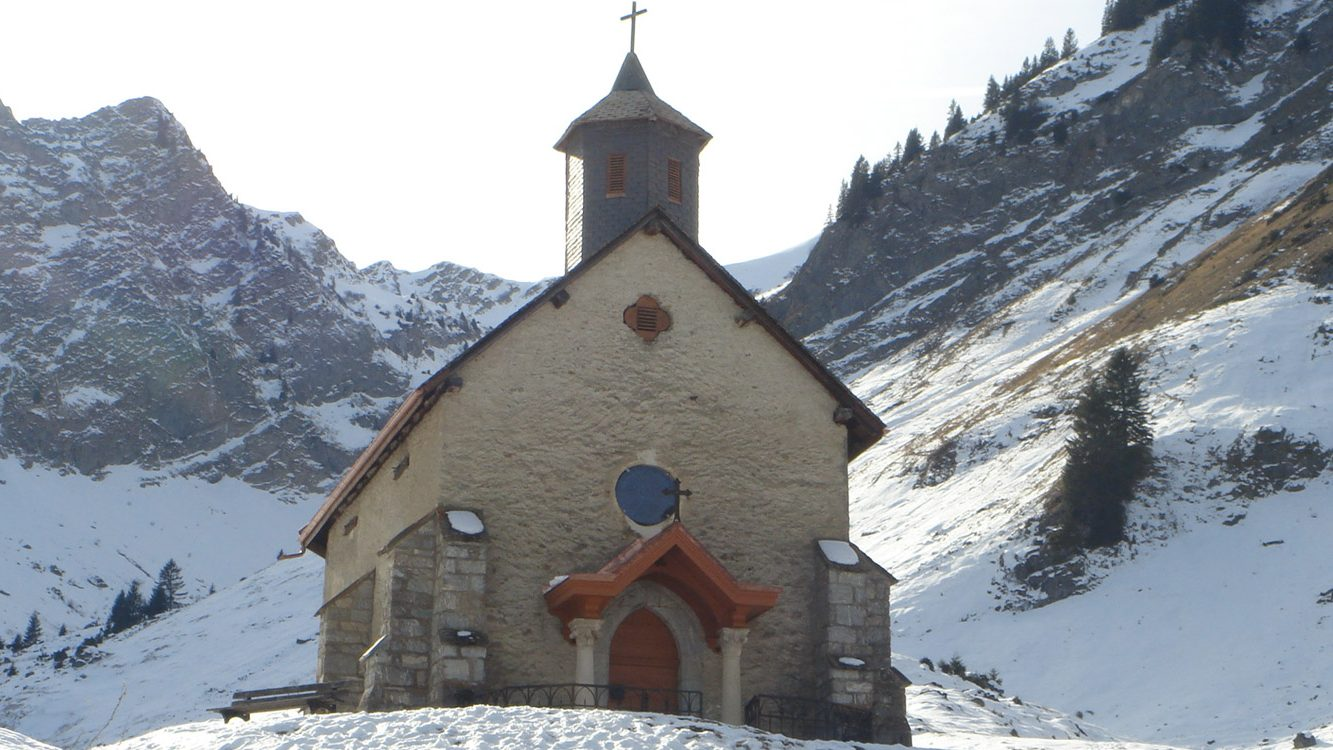 Mountain church Portes du Soleil