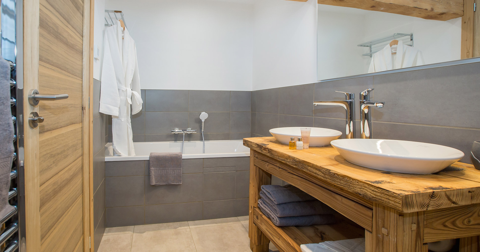 Chalet Perdix en-suite bathroom