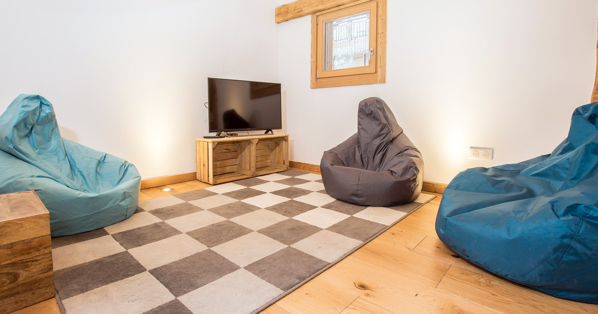 Chalet Perdix chillout area cosy room