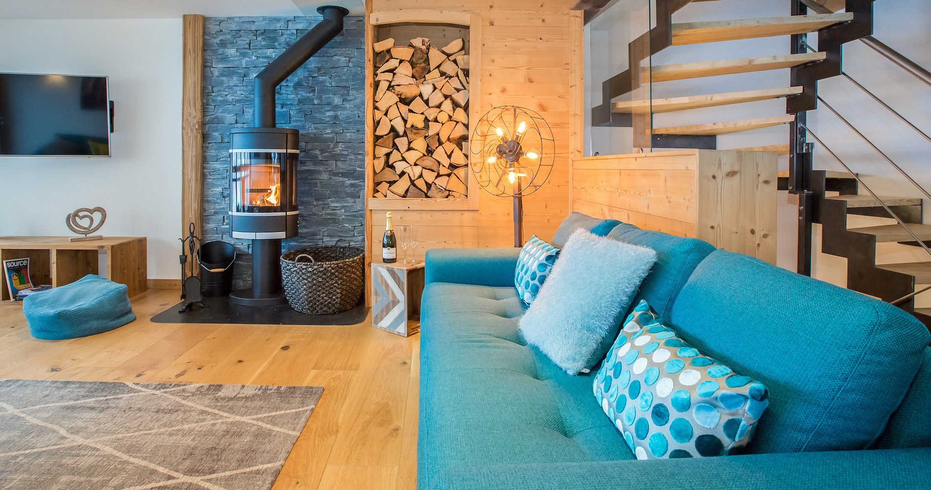 Chalet Perdix living lounge area log fire