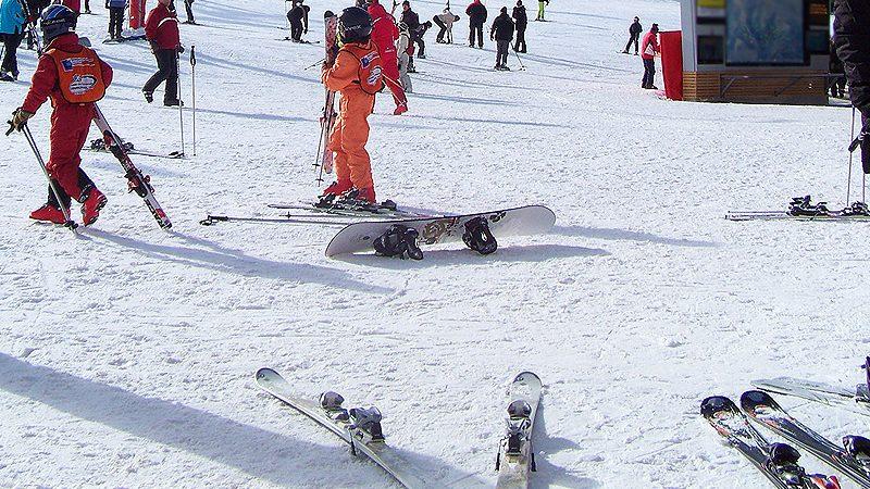 Ski hire rental